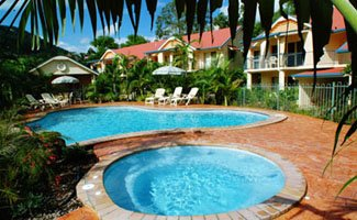 Whitsundays Holiday Accommodation Booking Information beach-court